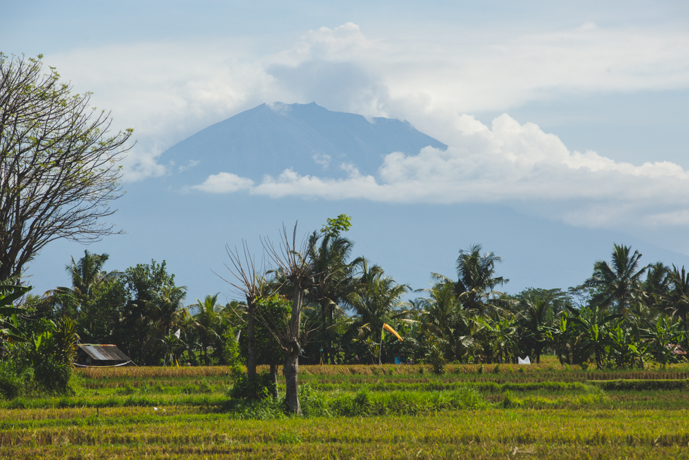 Mt. Agung - aviation code red.