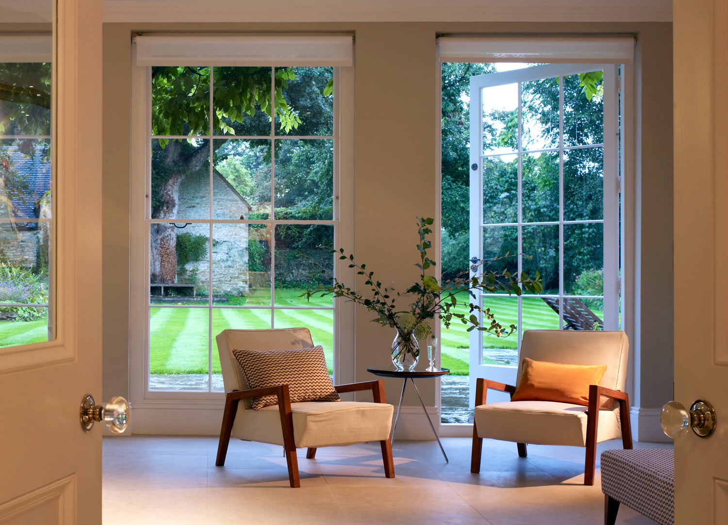 Jill Scholes Interior Design, Oxfordshire Country House, sitting room with view to garden