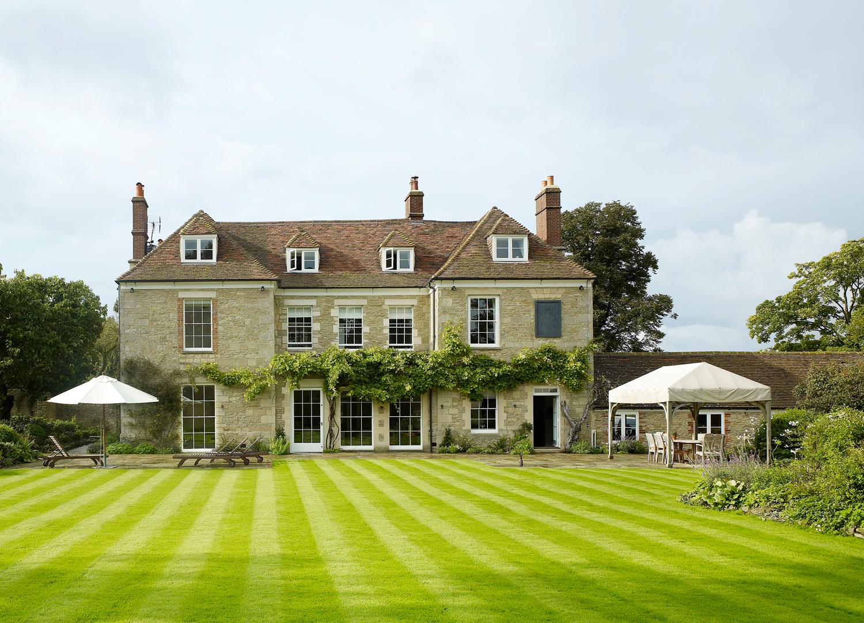 Jill Scholes Interior Design, Oxfordshire Country House, exterior view from back garden