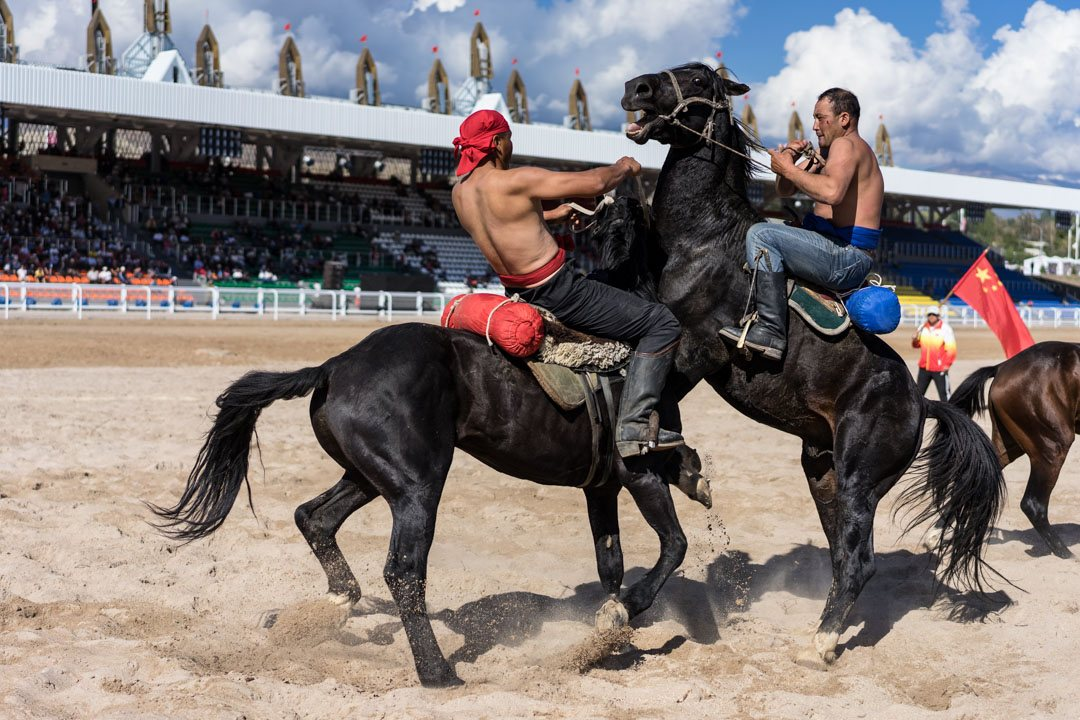Horseback-Wrestling-2-World-Nomad-Games.jpg