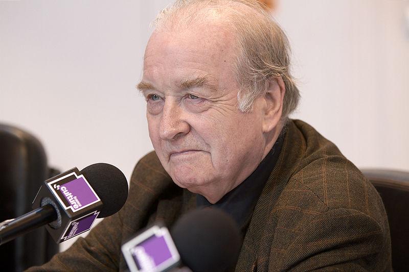 作者米歇尔·西蒙,现任法国著名影评杂志《正片》主编