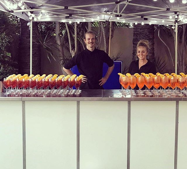 Who doesn't love it when the drinks are ready and waiting!! 💪🏻 Let's hope the weather holds out for these guys to enjoy their party!!! ☔️ #fridayvibes #barsetup