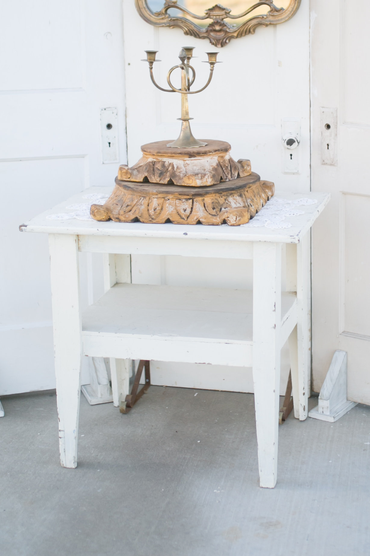 White Table~Rental $20