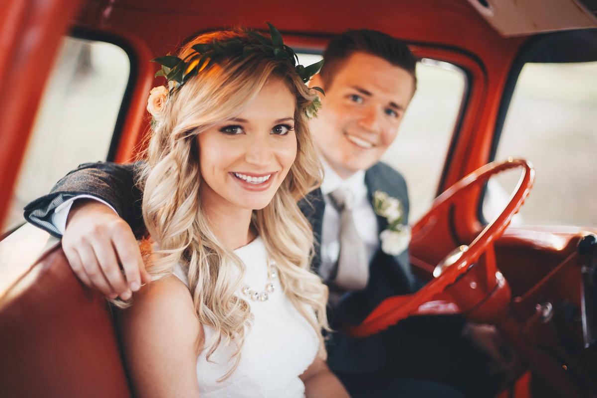 brett-megan-tulsa-wedding-la-vintage-rentals-04.JPG