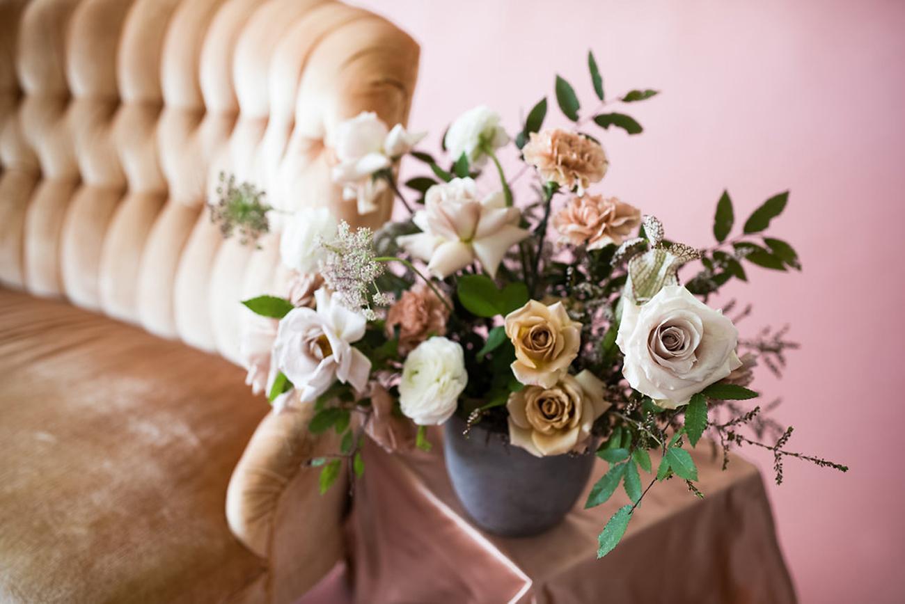 la-vintage-rentals-tulsa-ok-anthousai-floral-design-08.jpg