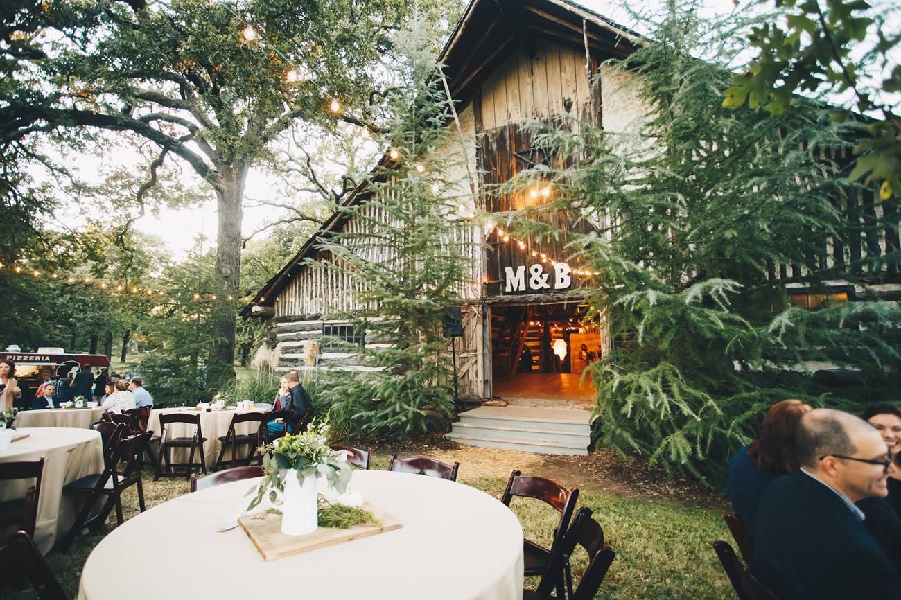 brett-megan-tulsa-wedding-la-vintage-rentals-01.jpg