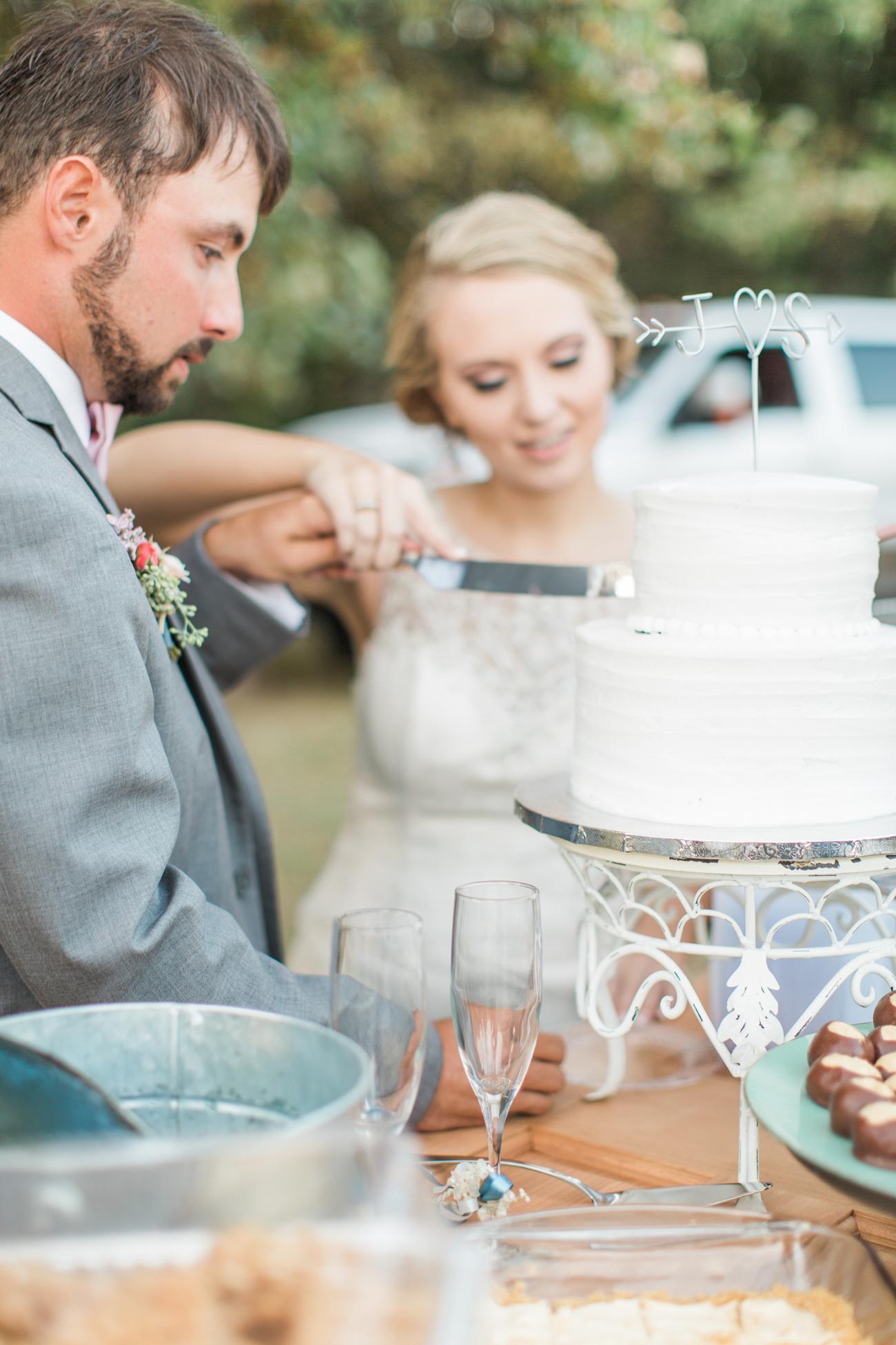 justin-sam-tulsa-wedding-la-vintage-rentals-02.jpg