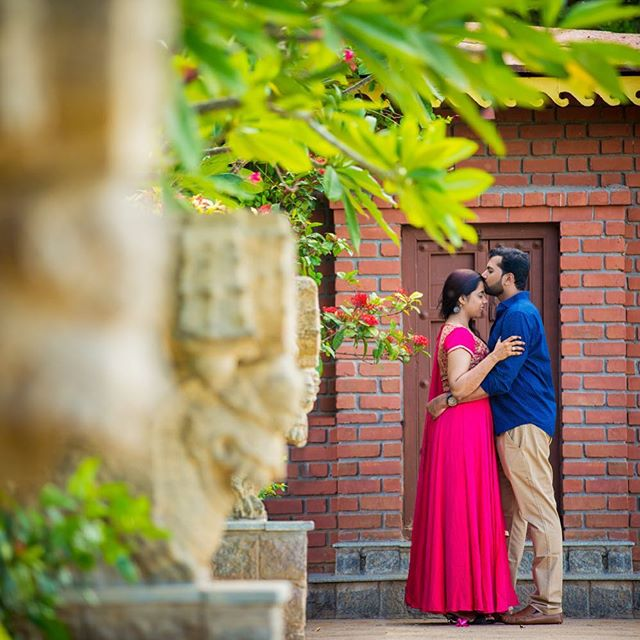 A standard pose but it has its own charm and is a loved posed for every couple.  #Trulycandid #coupleshoot #coupleportrait #PreWeddingShoot #weddingphotography