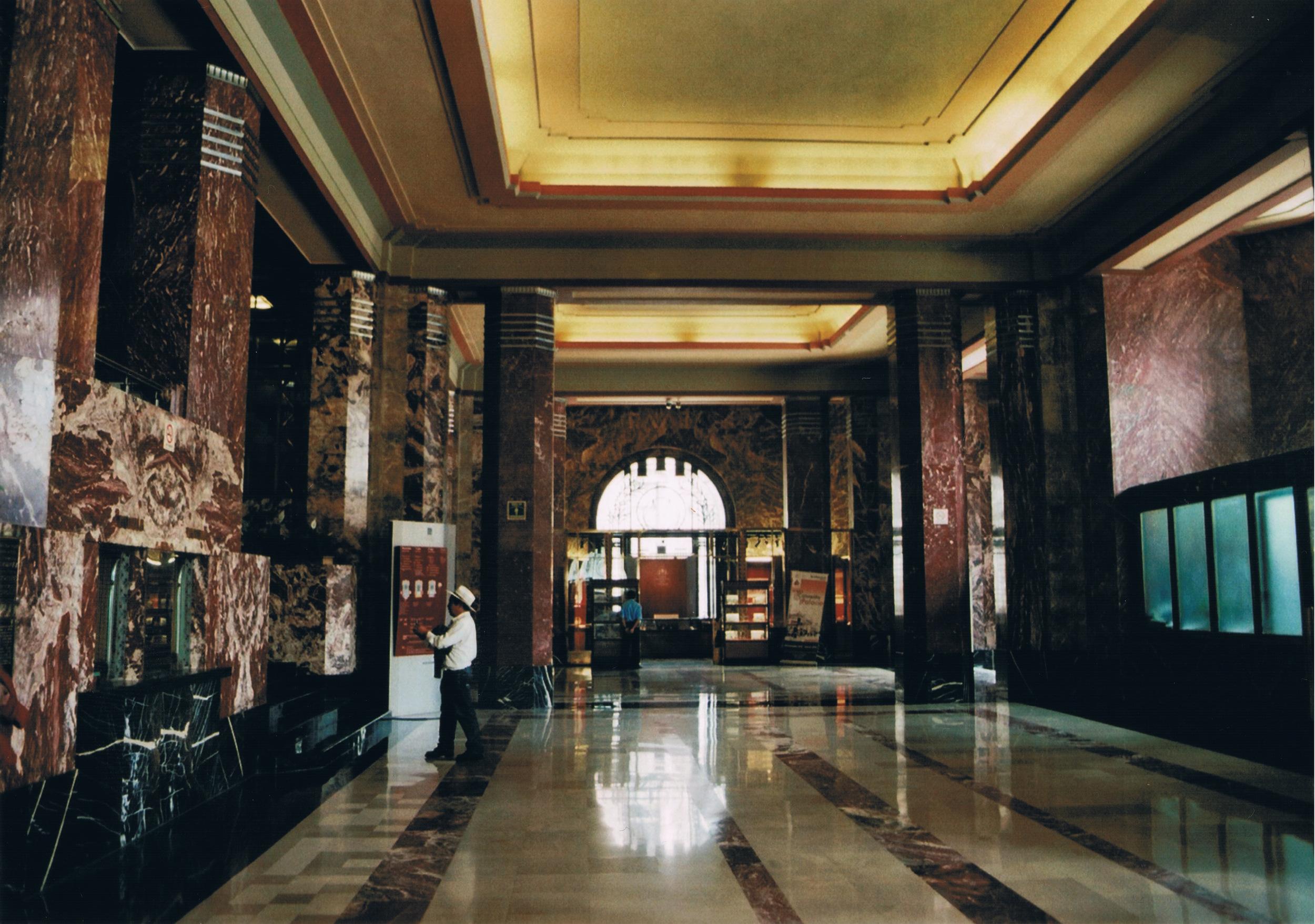 bellas artes interior.jpeg