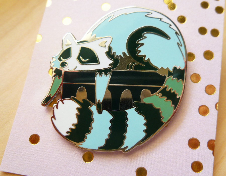 pin_raccoon_02.jpg