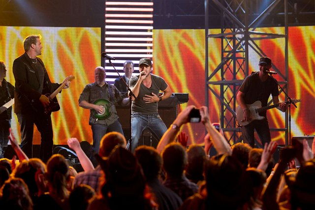 Luke Bryan_Doc Walker CCMA 2011 #1.JPG