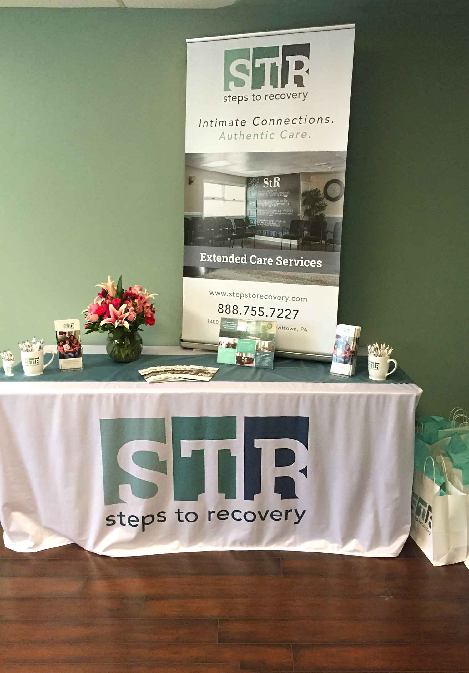 Tradeshow Pop Up Banner, Table Cover & Runner