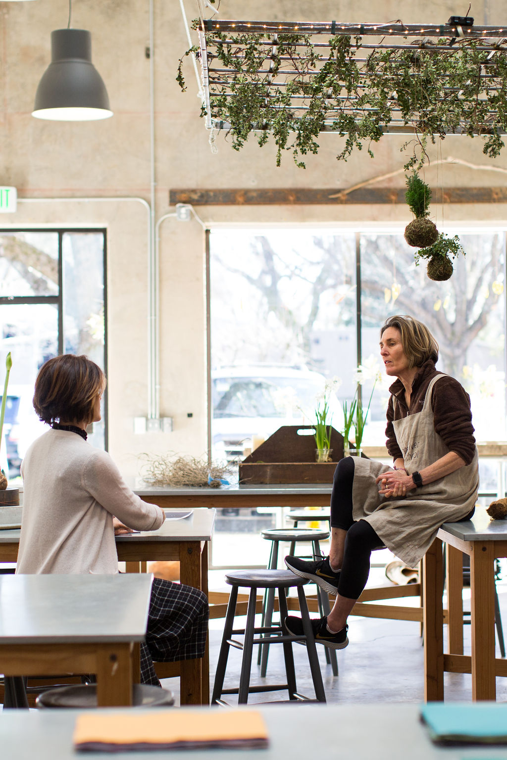 Dundee Butcher, Russian River Flowers, Floral Workshop, Floral Studio, Things to do in Healdsburg, Chateau Sonoma, Female Entrepreneurs, Floral Inspiration, Studio Inspiration, Minimalist Flowers