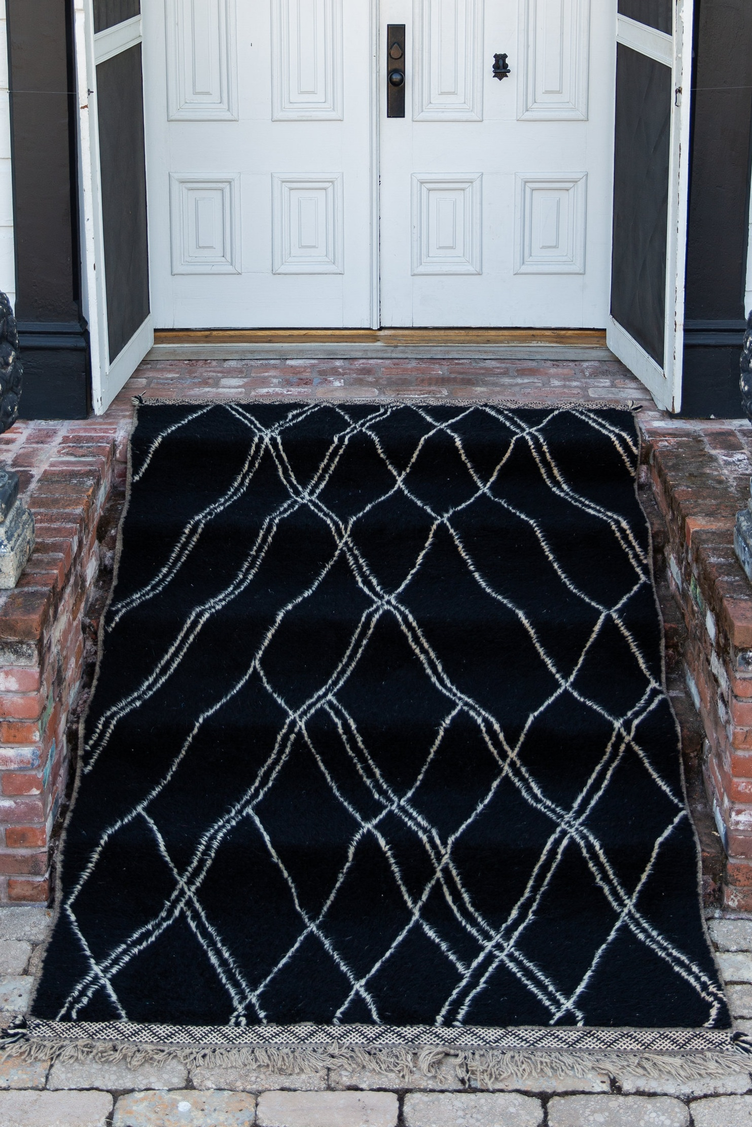 Black Criss Cross Rug