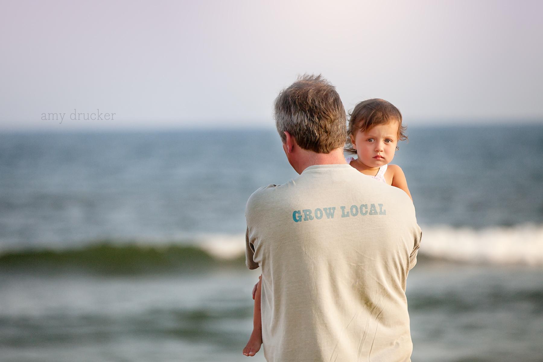 Marthas_Vineyard_Child_Photographer_stonewall_beach_1