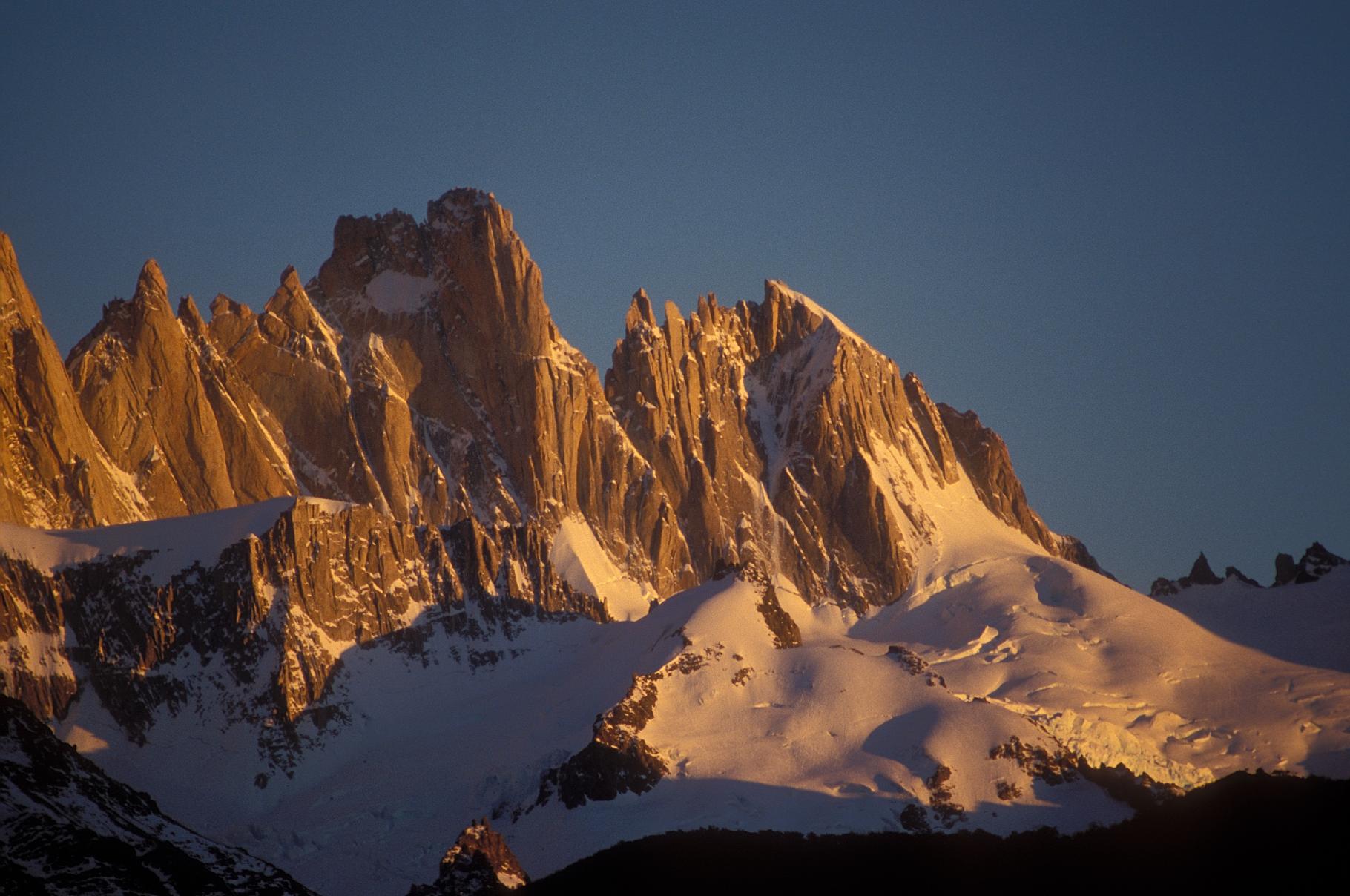 Argentina.Patagonia.Chalten.FitzRoyNeighbors.Sunrise.jpg