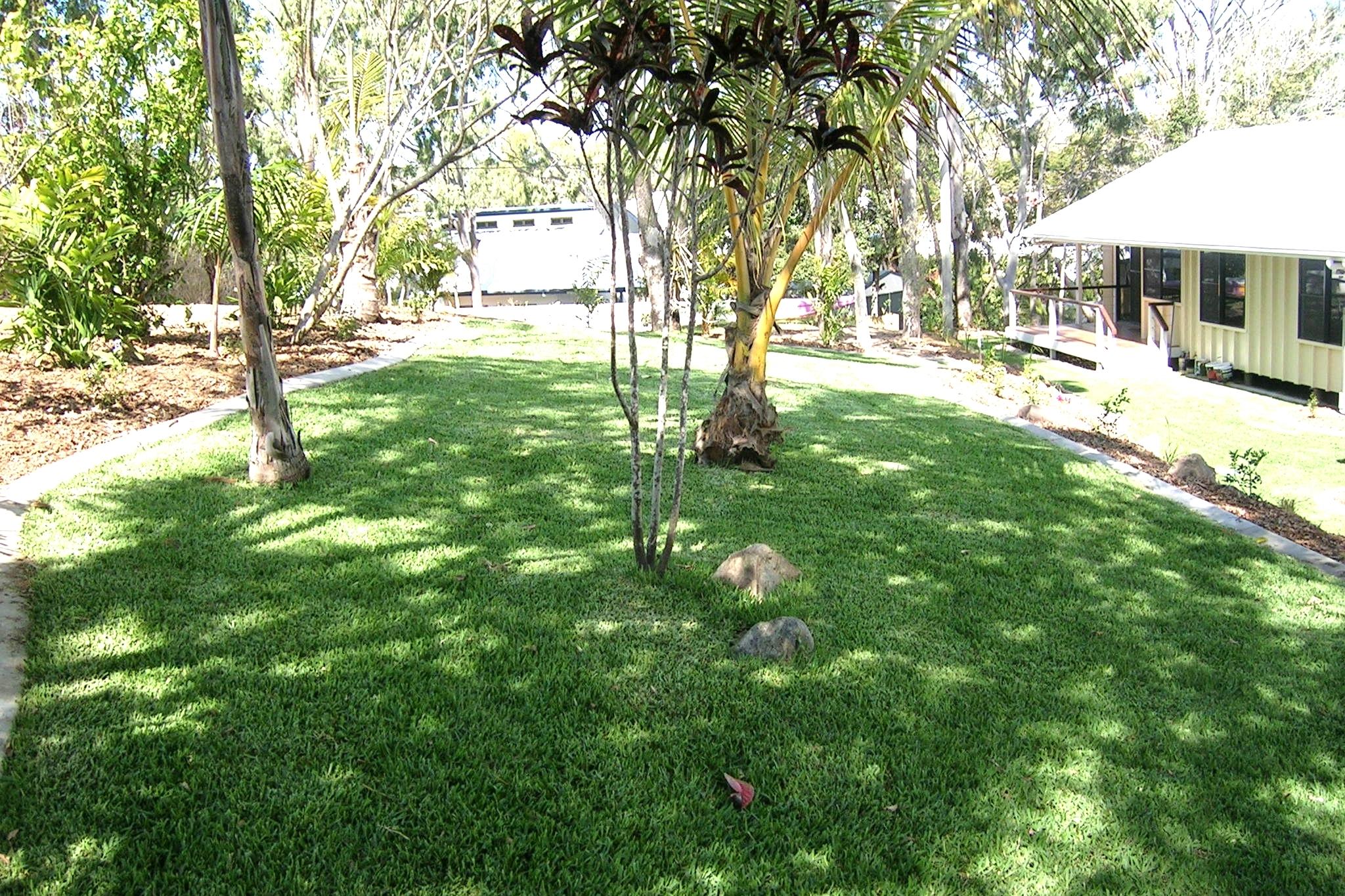 040921 garden 10.jpg