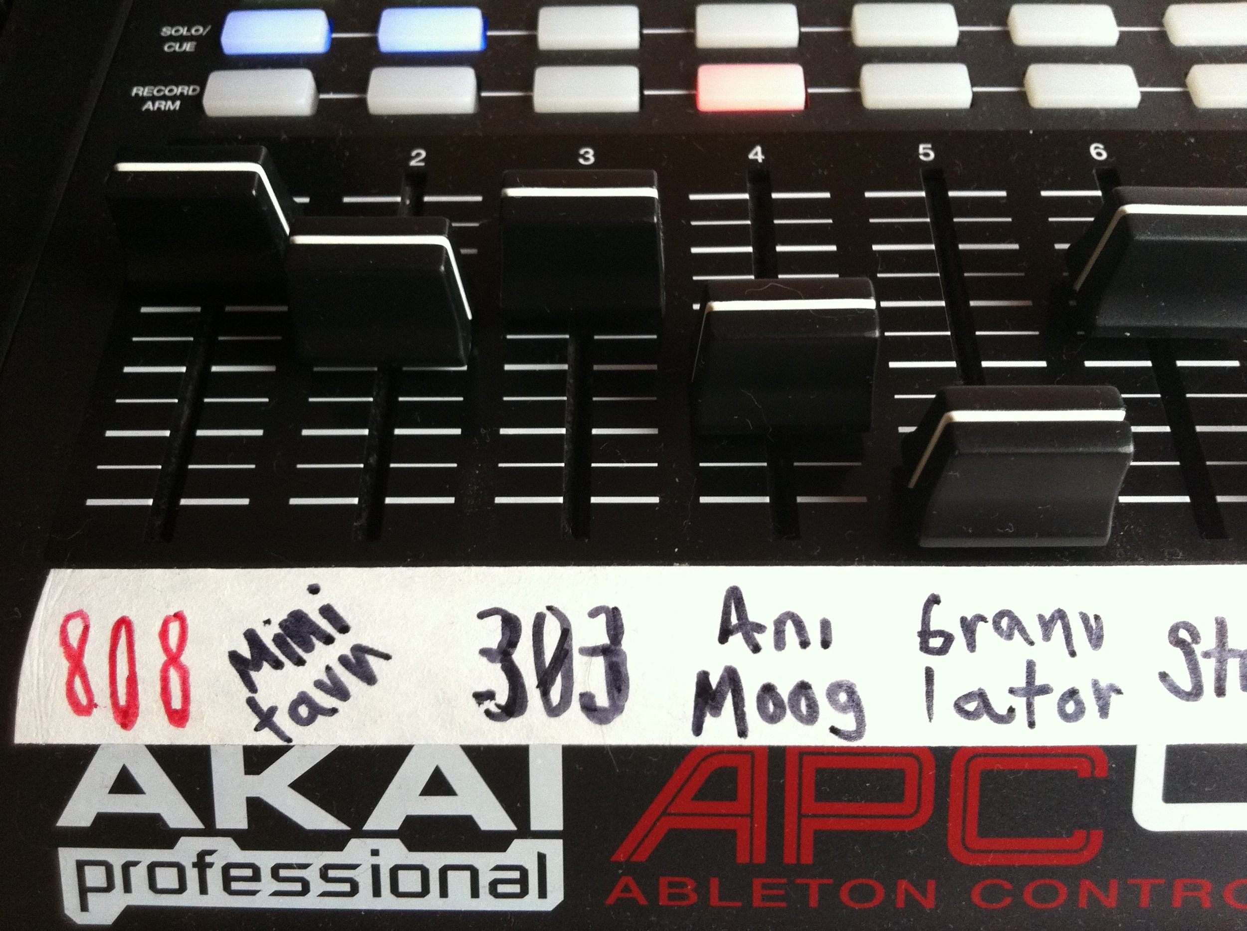 Akai APC 40