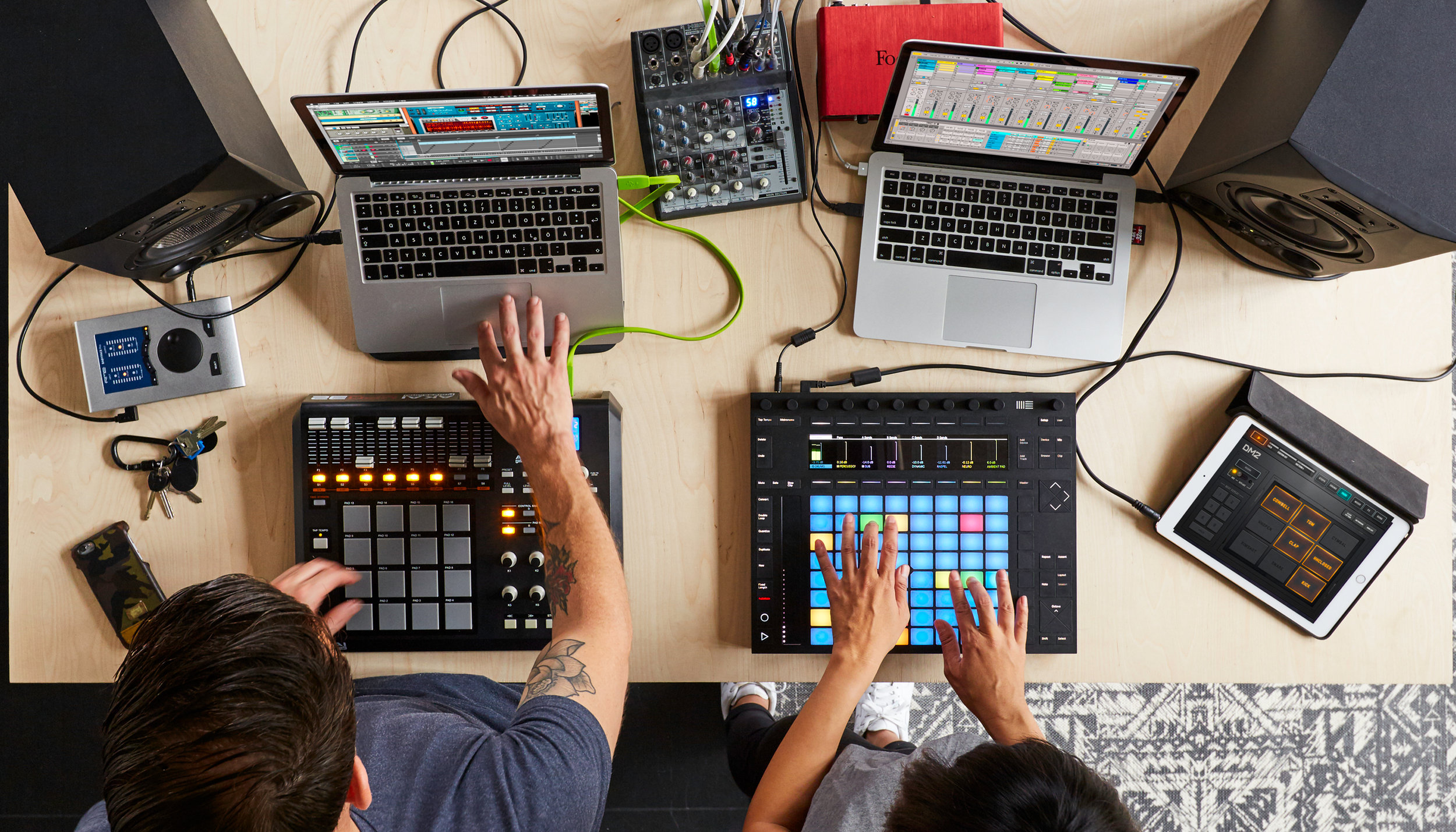 Jam con Ableton Live,iPad y Reason. Imagén cortesía de Ableton.