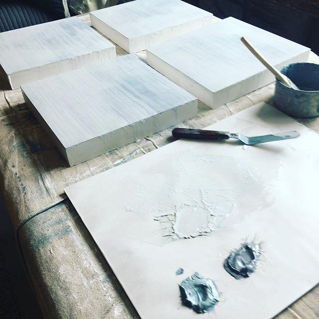 // ISLANDS // New work and a new subject to explore, islands.  #islands #islandpainting #workinprogress #newartwork #newsubject #coastalart #oilonpanel #oilpainting #artforsoul #landscapeartist #artist #artistsoninstagram #meditationart #greys #pnwart #pnwartist #natureinspired #paintlayers #artdetails #oceancolors #artistworld #visualart #visualartist #contemporarypainting #modernpainting #contemporaryart #modernart #artstudiolife #inthestudiotoday #seattleartist