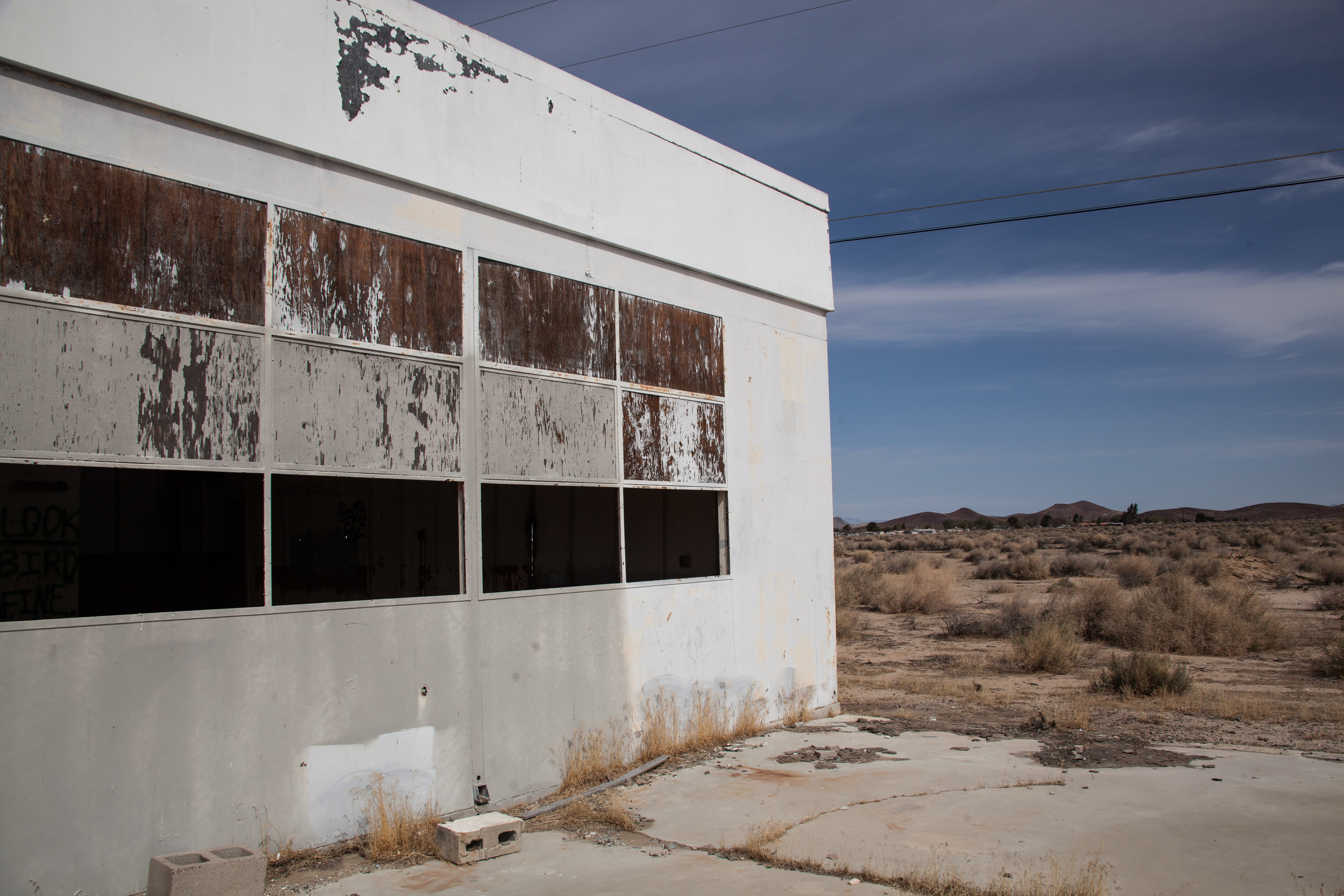 gas-station-california-abandoned