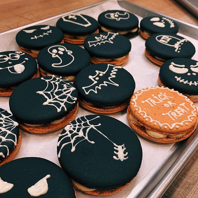 Pumpkin 🎃 ganache 👻 Macaron for Halloween  #halloween2019