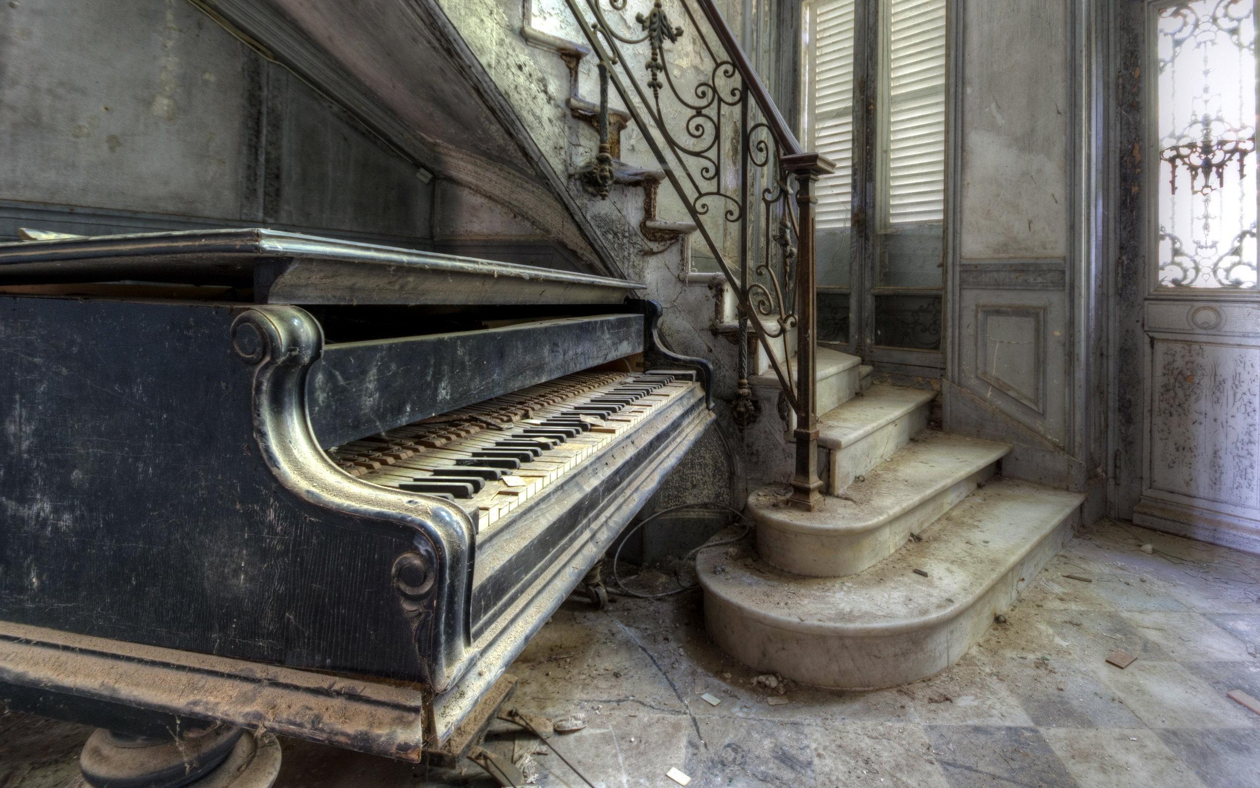 Old-piano.jpg