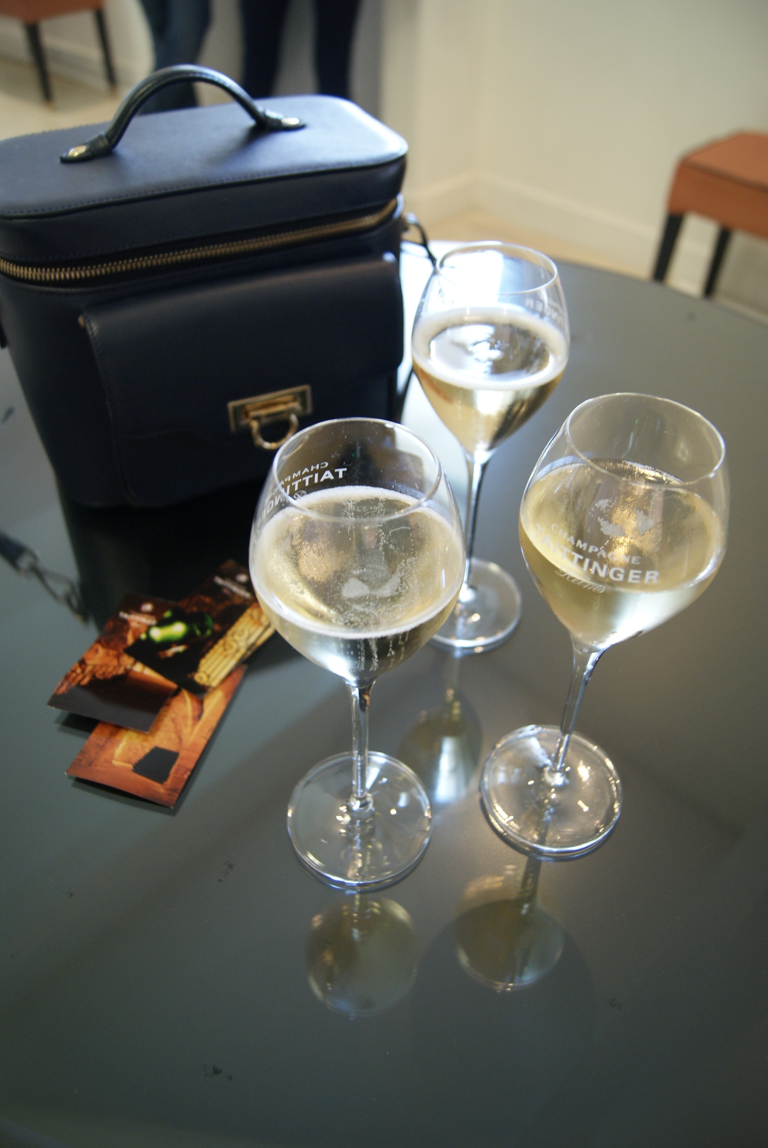 Yummy champagne & Ivys THEIT Camera Bag!