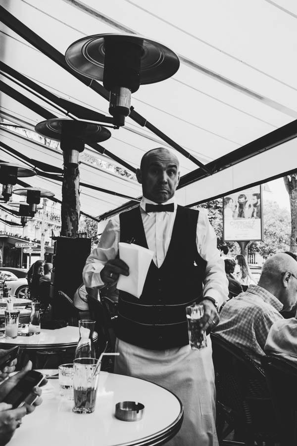 Café du Trocadéro. Le Garçon de café