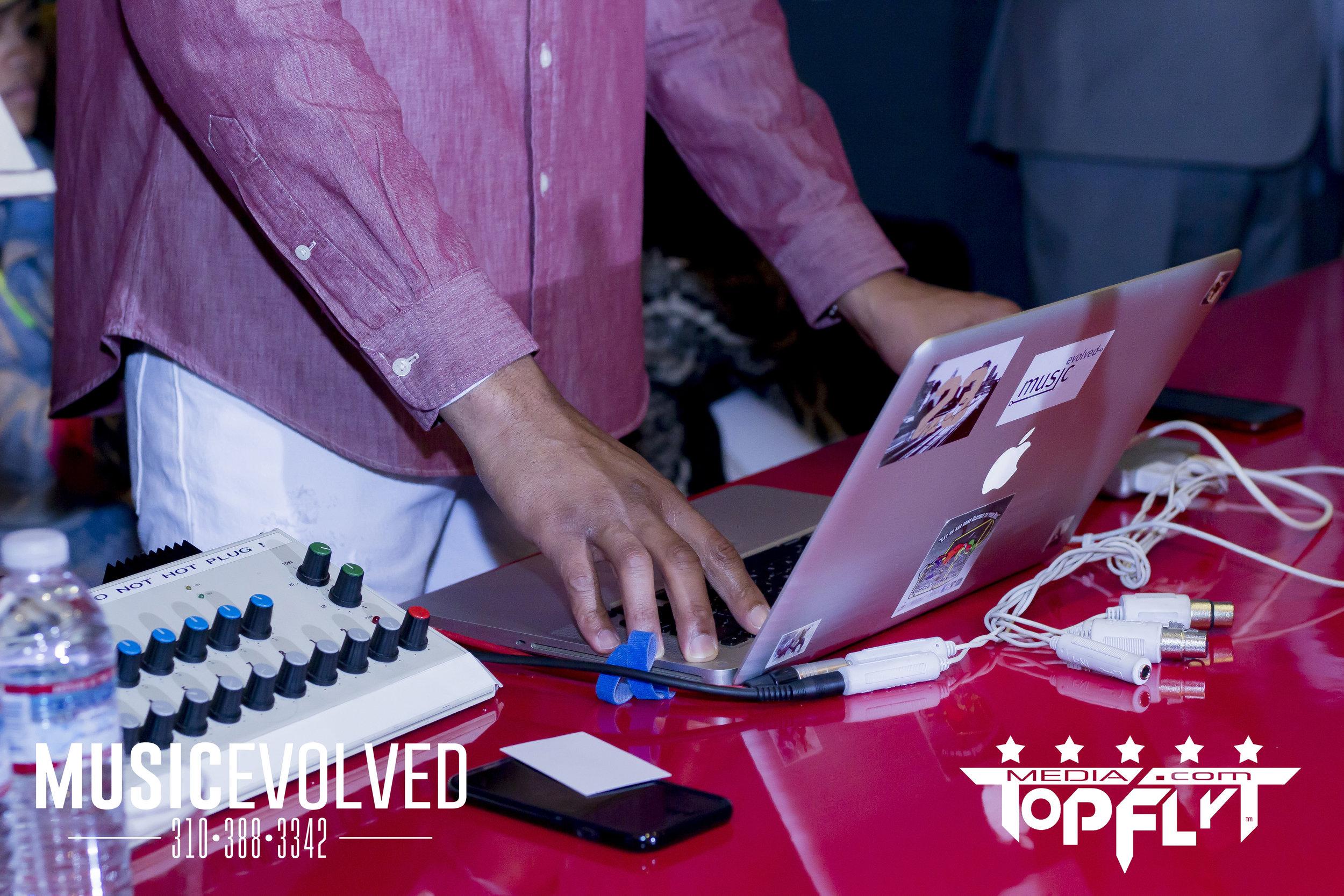 Music Evolved Listening Party_13.jpg