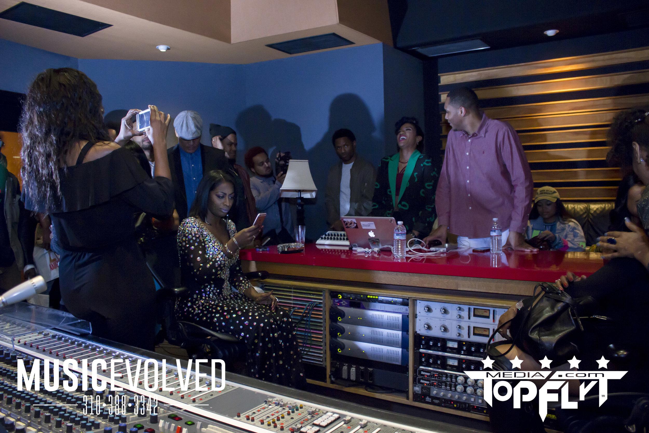 Music Evolved Listening Party_50.jpg