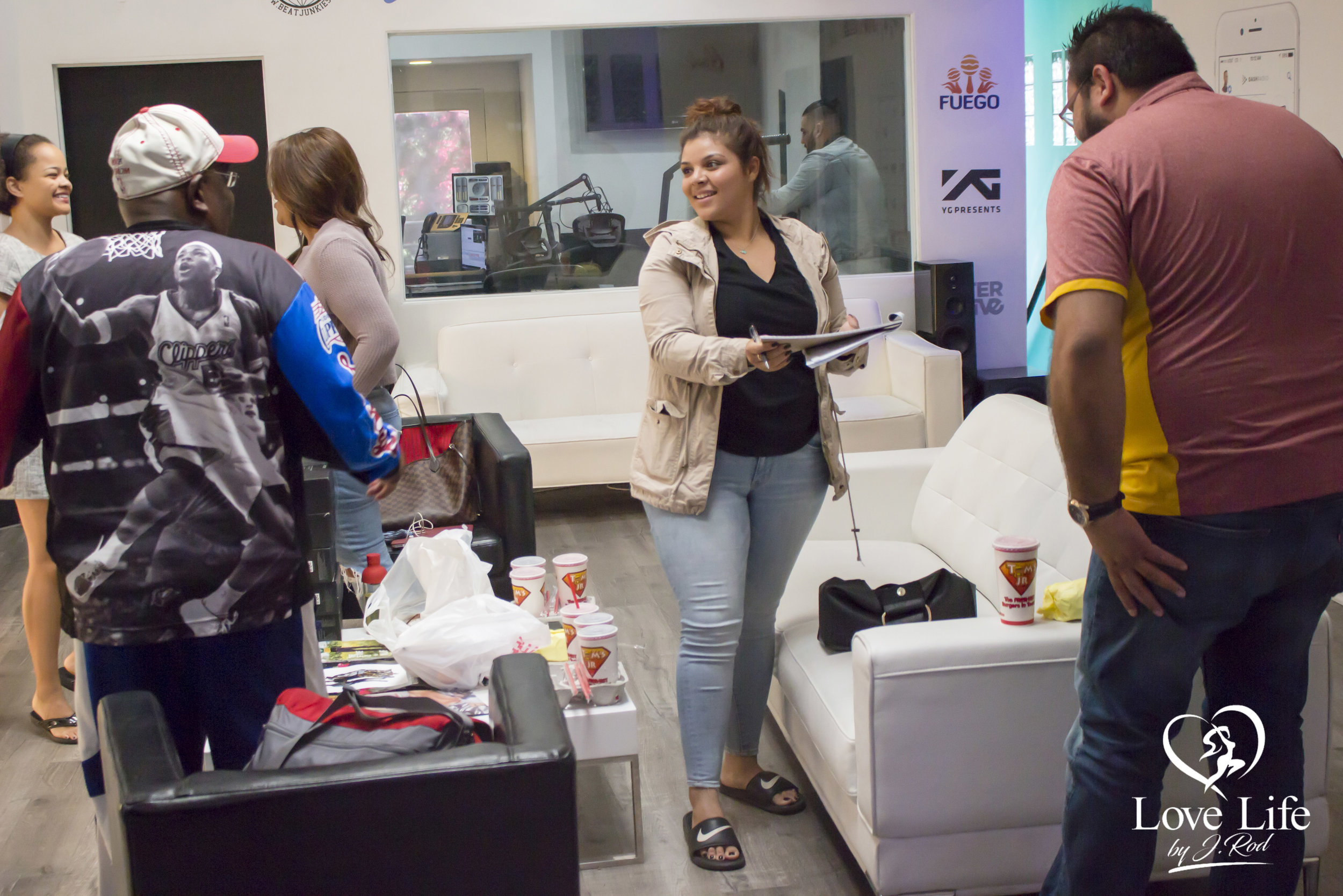 Janet Rodriquez On The Clipper Darrel Fan Truth Show 10-14-17_27.jpg