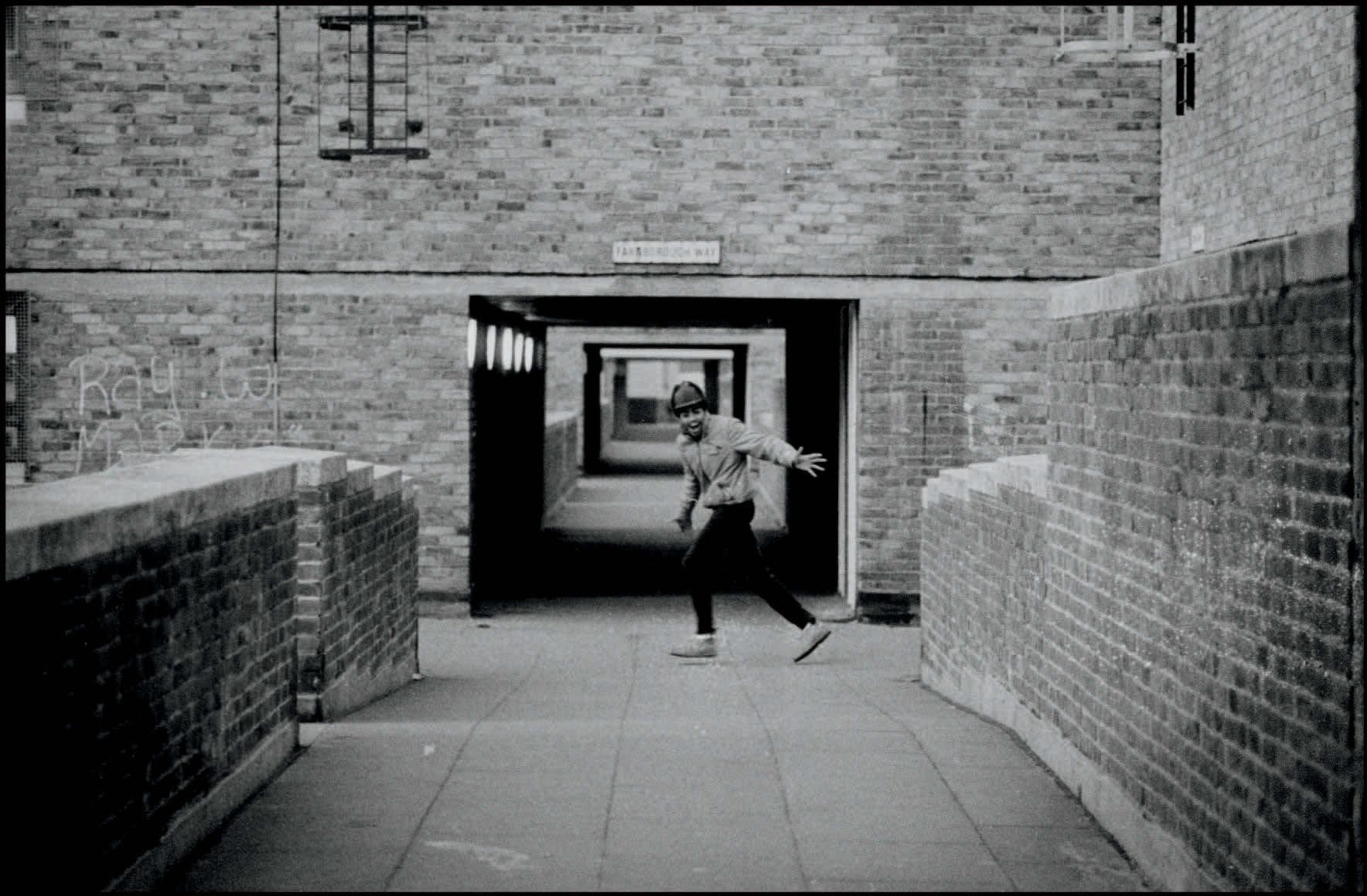 martin-north-peckham-estate-london-1984.jpg