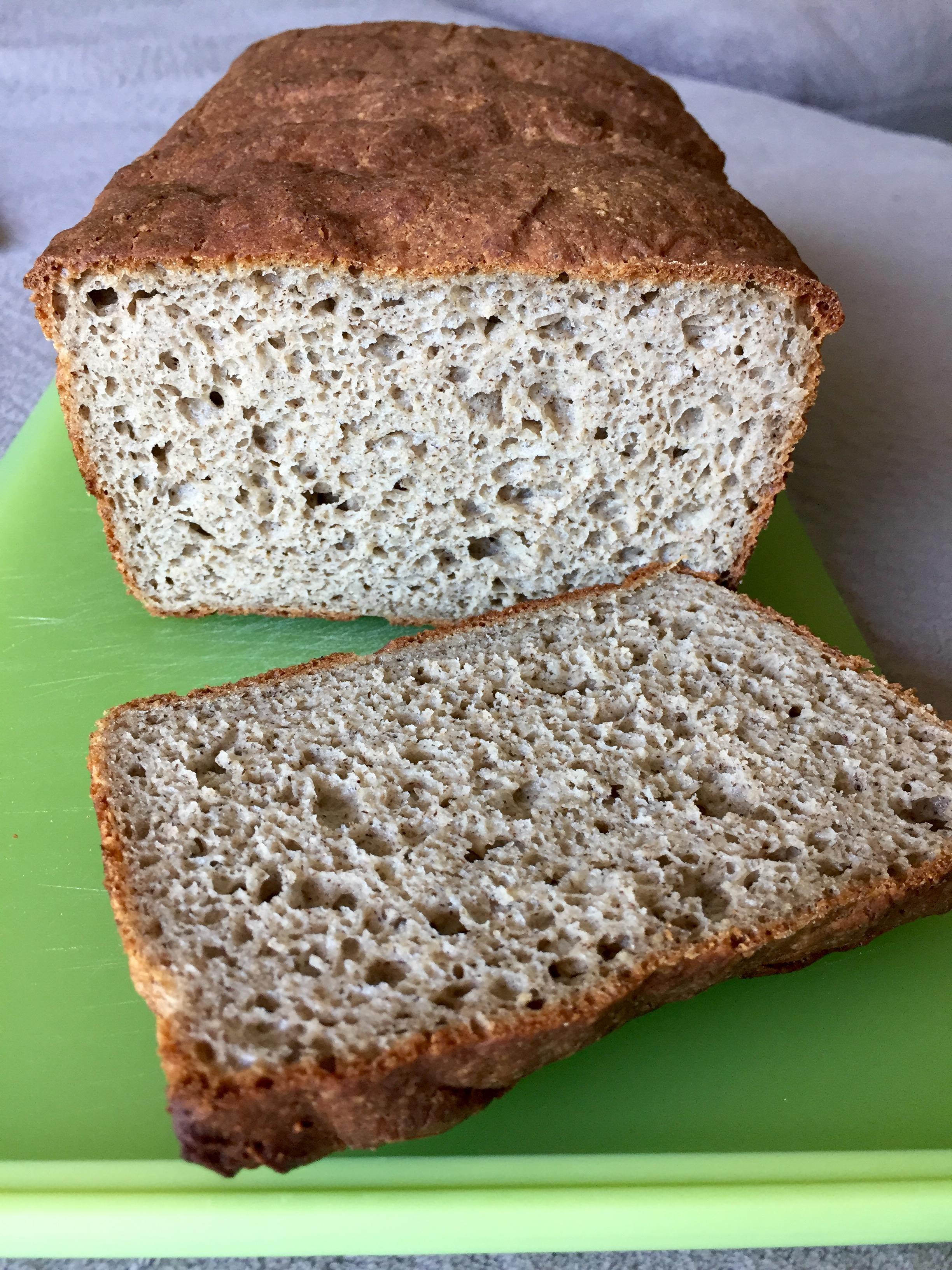 Grikių miltų duona be gliuteno