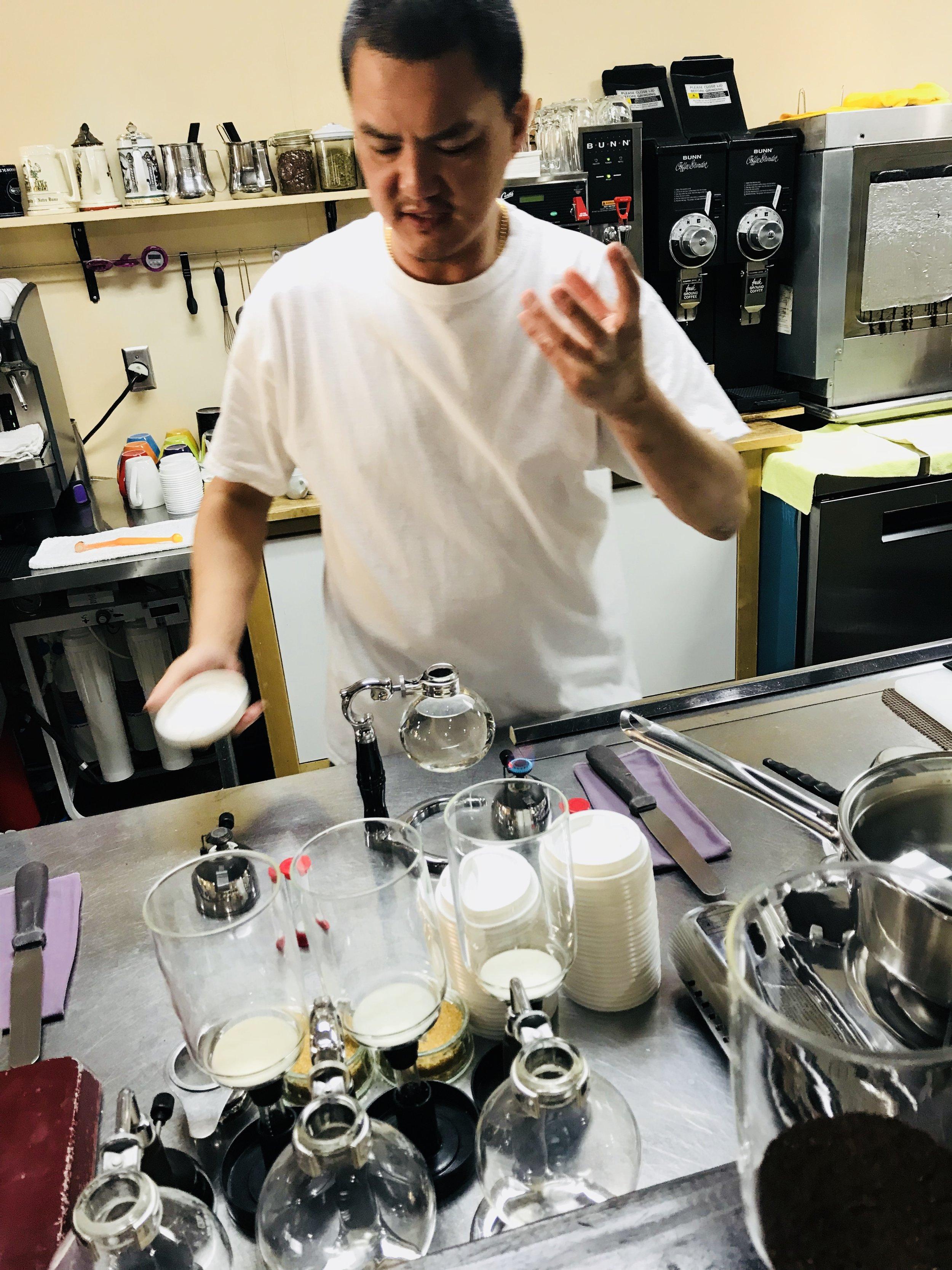 JC HO sumala pupeles kiekvienam kavos puodeliui atskirai