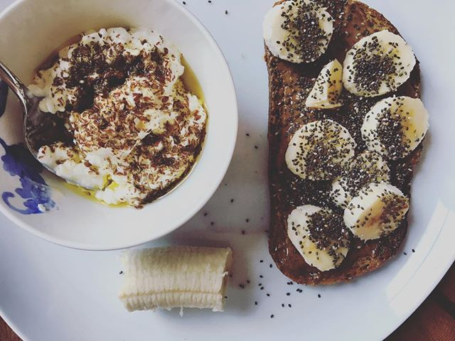 power packed breakfast for #nursing mamas.  whole wheat sourdough toast topped with organic almond butter, bananas and chia seeds. energy fueled ⚡️ — and —  organic whole milk cottage cheese drizzled with OVOO and mulled flax seeds. fueled with love ❣️ . . #breastfeeding #vegpowered #veg #gogreen #organic #flaxseeds #chiaseeds #wellness #healthiswealth