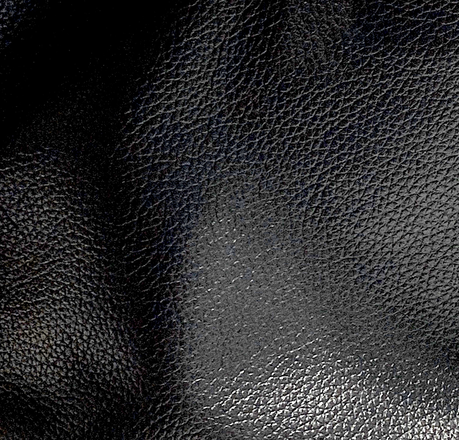 BLACK PEBBLE LEATHER