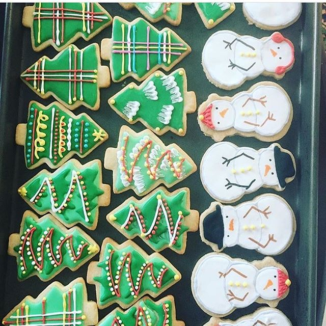 🎄⛄️❄️⛄️🎄 #foodporn #foodstagram #food52 #feedfeed #cakestagram #cakes #instagood #instafood #foodart #cupcake #cupcakes #buttercream #butter #foodandwine #forkfeed #buzzfeapst #cookies #thebakefeed