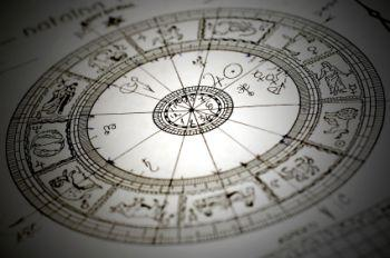 Astrological_chartreading.jpg