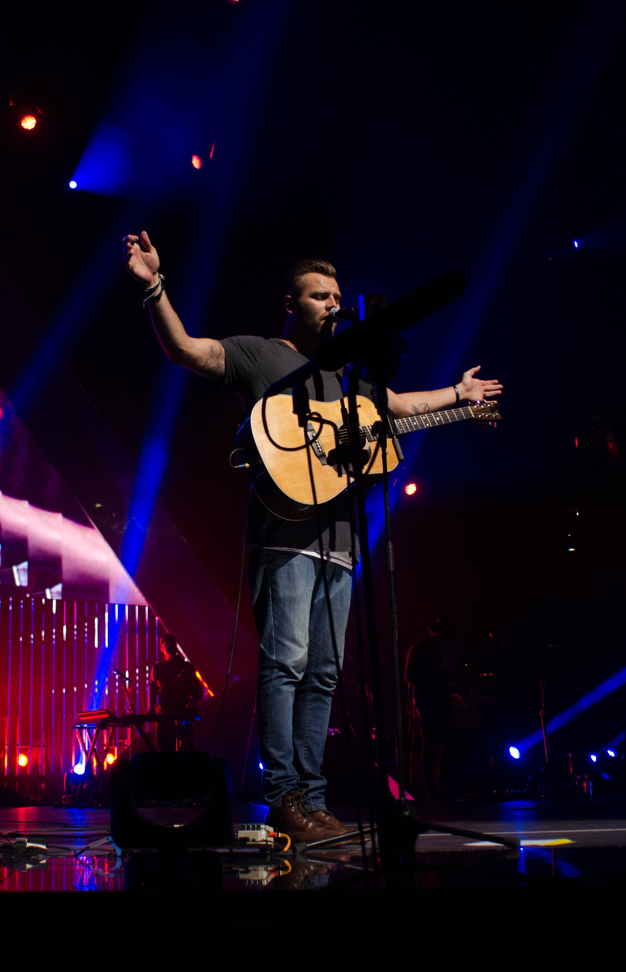 Hillsong United June 2014 - 3 Stars High Res-11.JPG