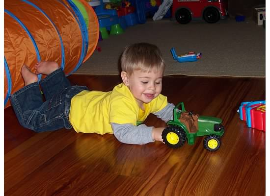 E playing tractors 2006.jpeg