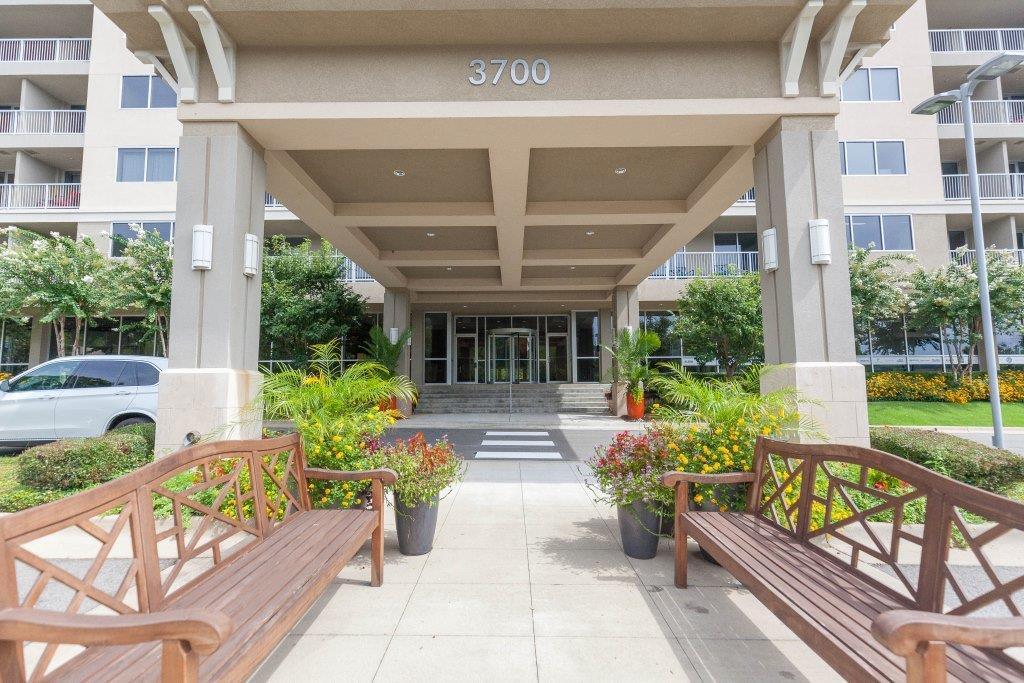 Exterior entrance.jpg