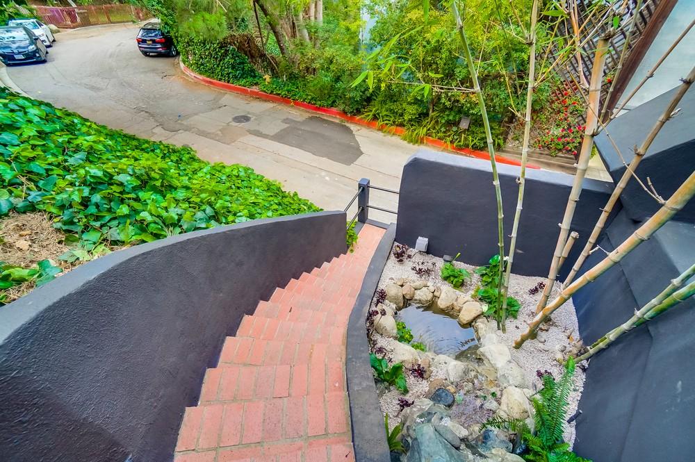 9044-hollywood-hills-rd-2-079_web.jpg