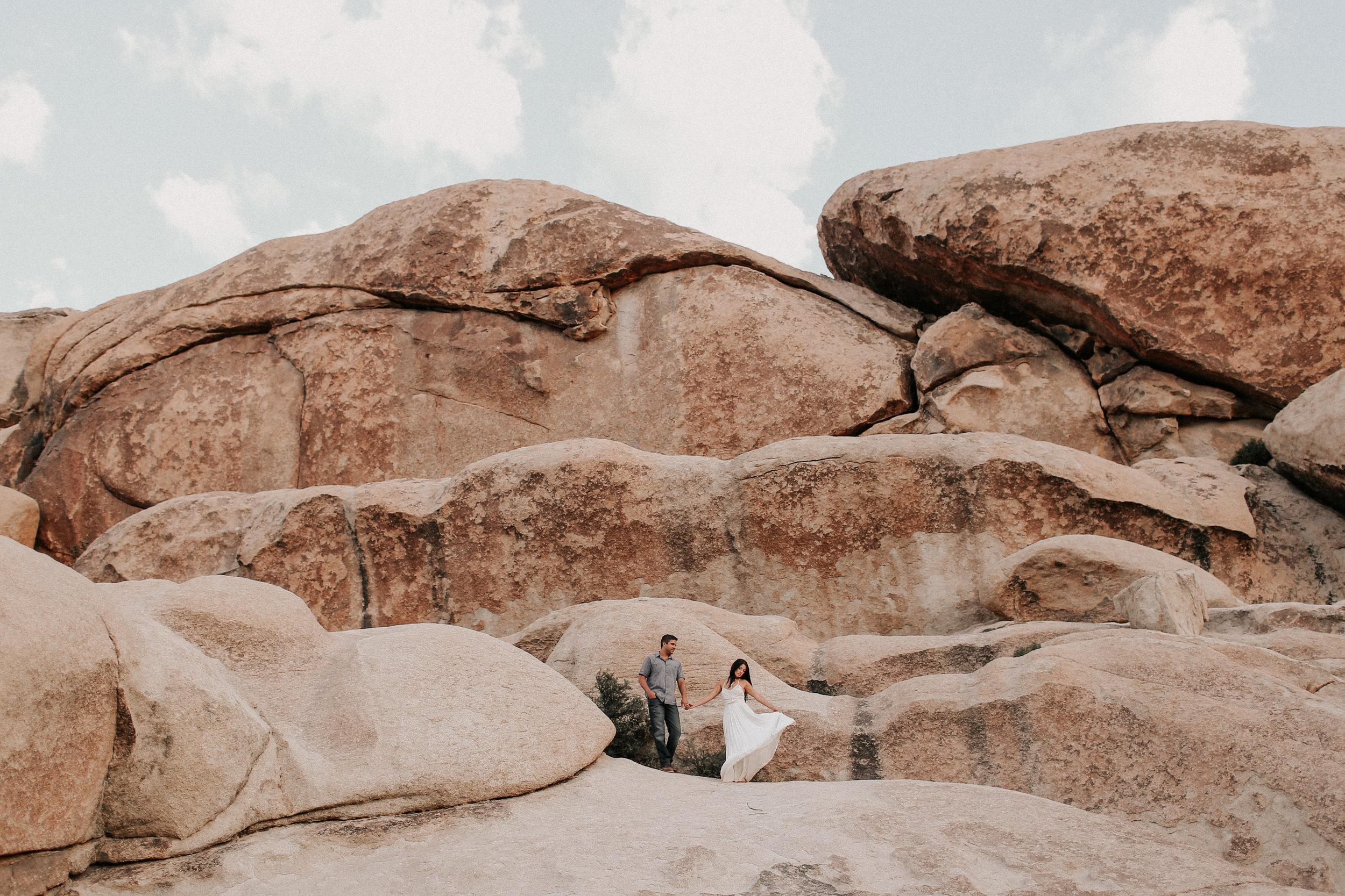 Desert_Engagement_MelissaMarshall_33.jpg