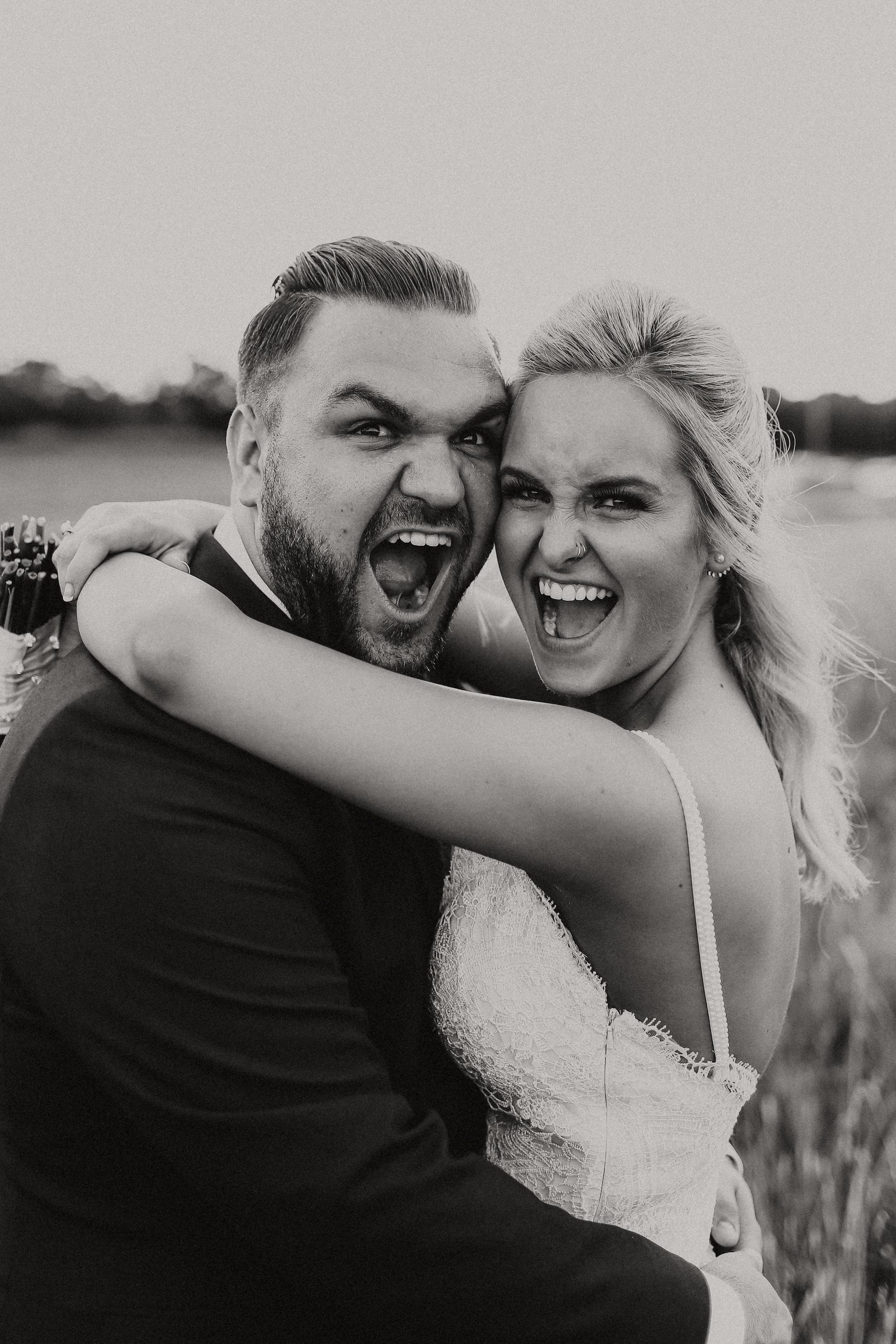 Backyard_Wedding_Oklahoma_MelissaMarshall_30.jpg