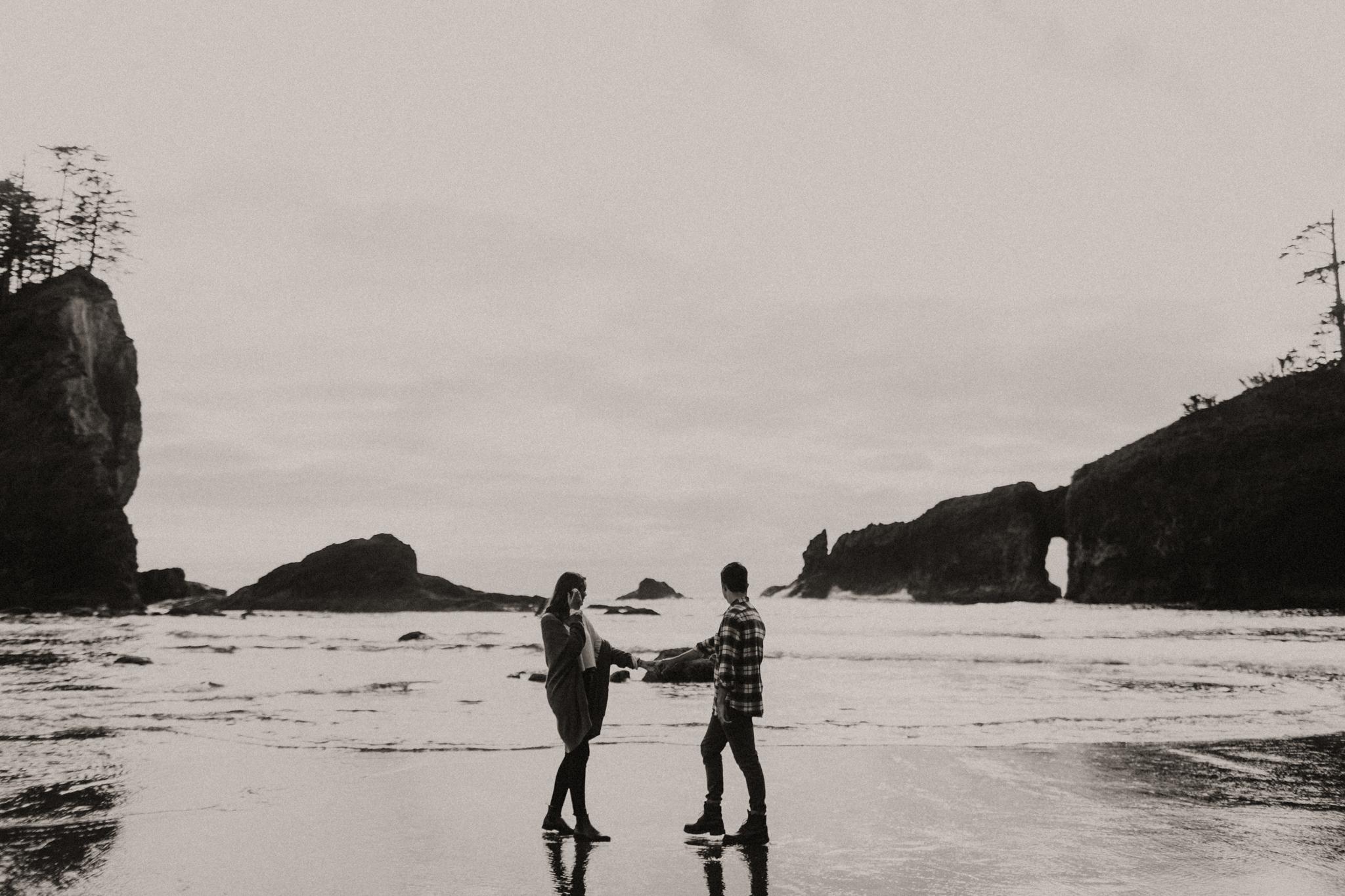 La_Push_Washington_Coast_Engagement-11.jpg