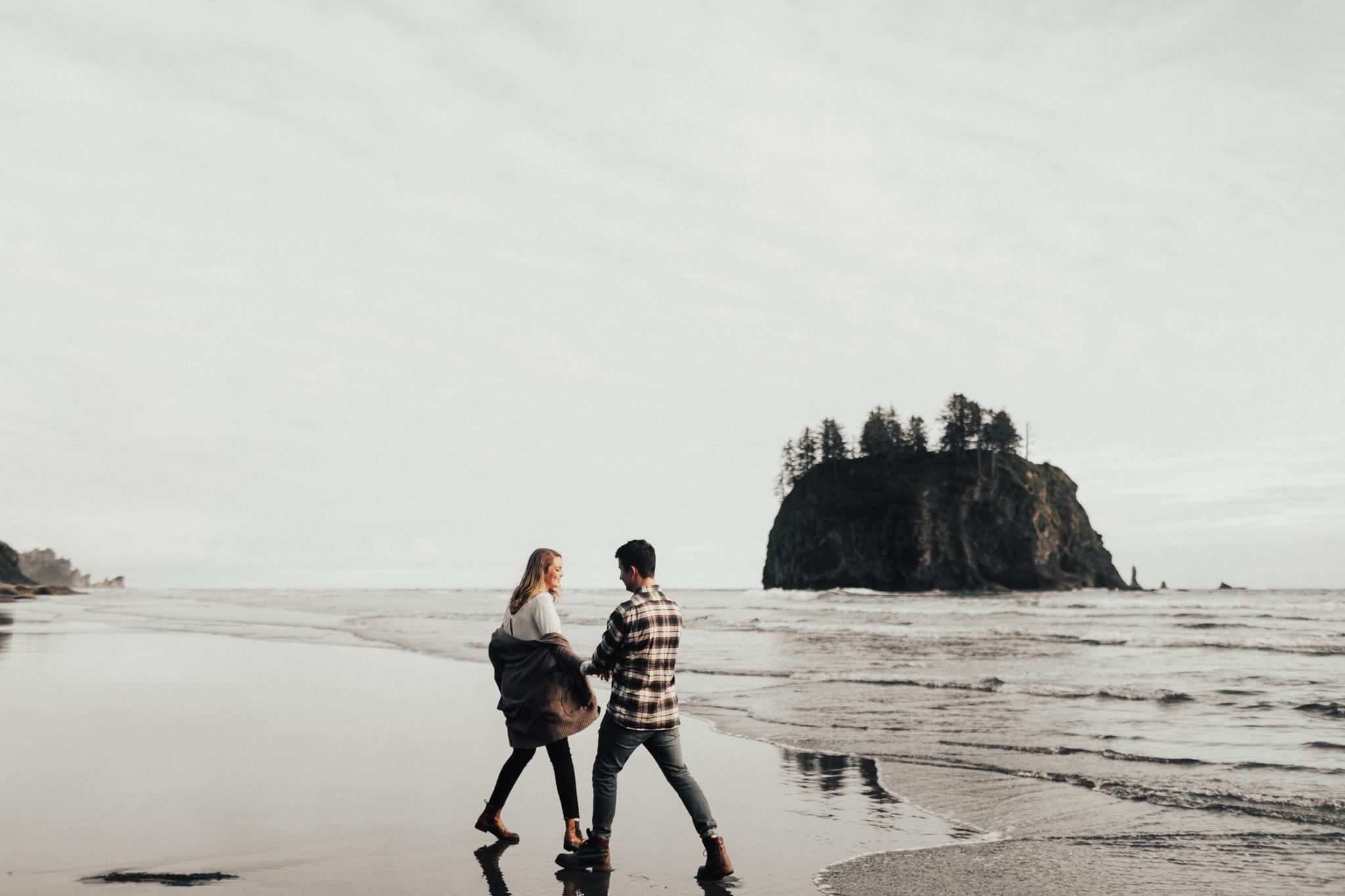 La_Push_Washington_Coast_Engagement-2.jpg