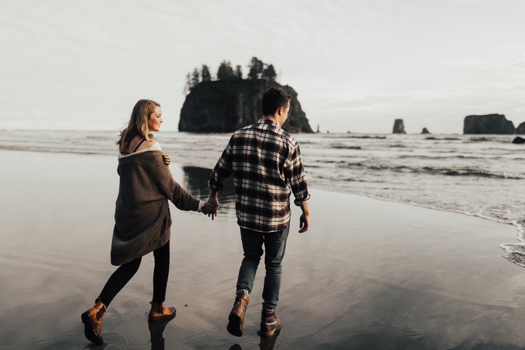 La_Push_Washington_Coast_Engagement-14.jpg