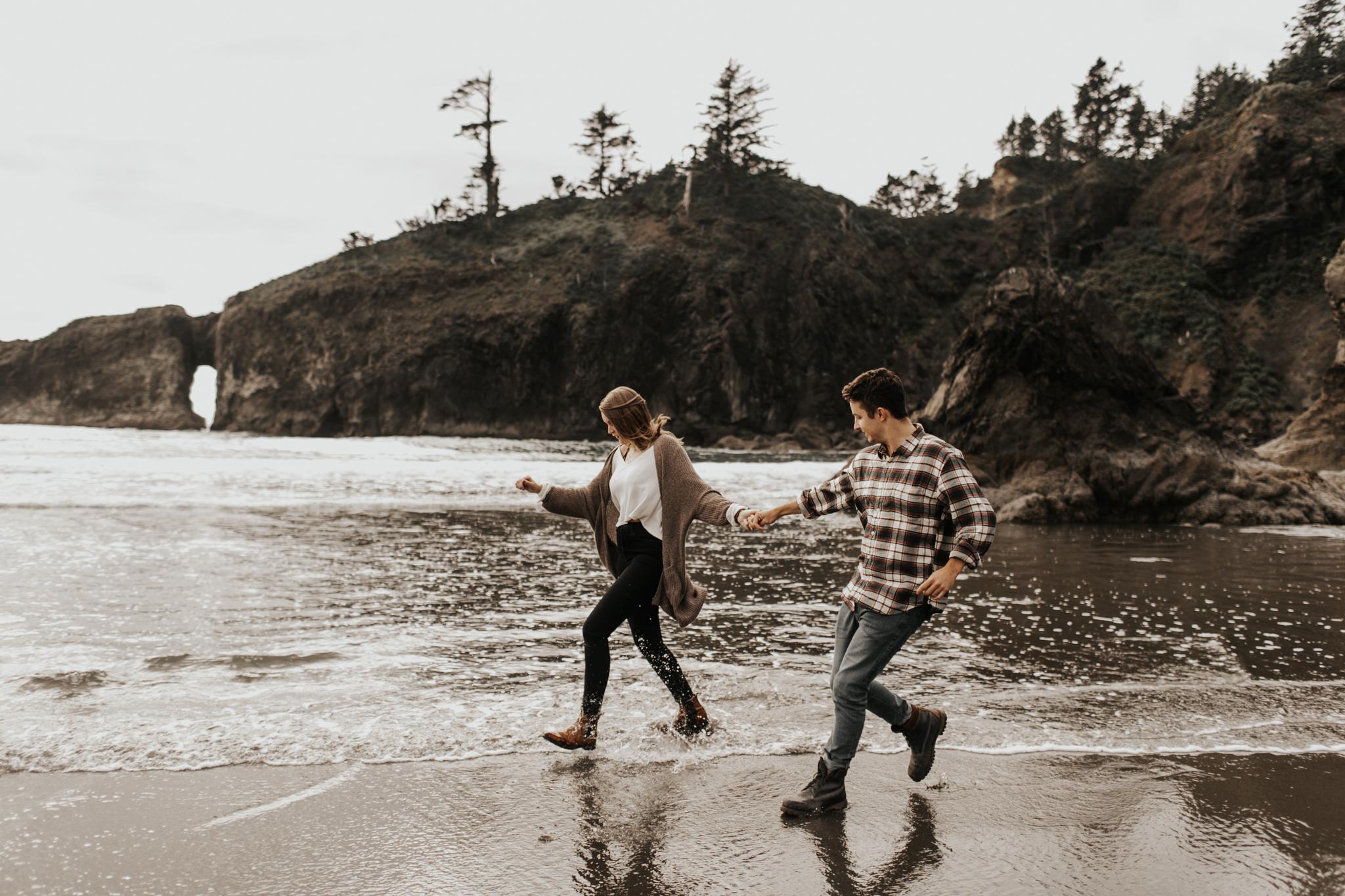 La_Push_Washington_Coast_Engagement-16.jpg