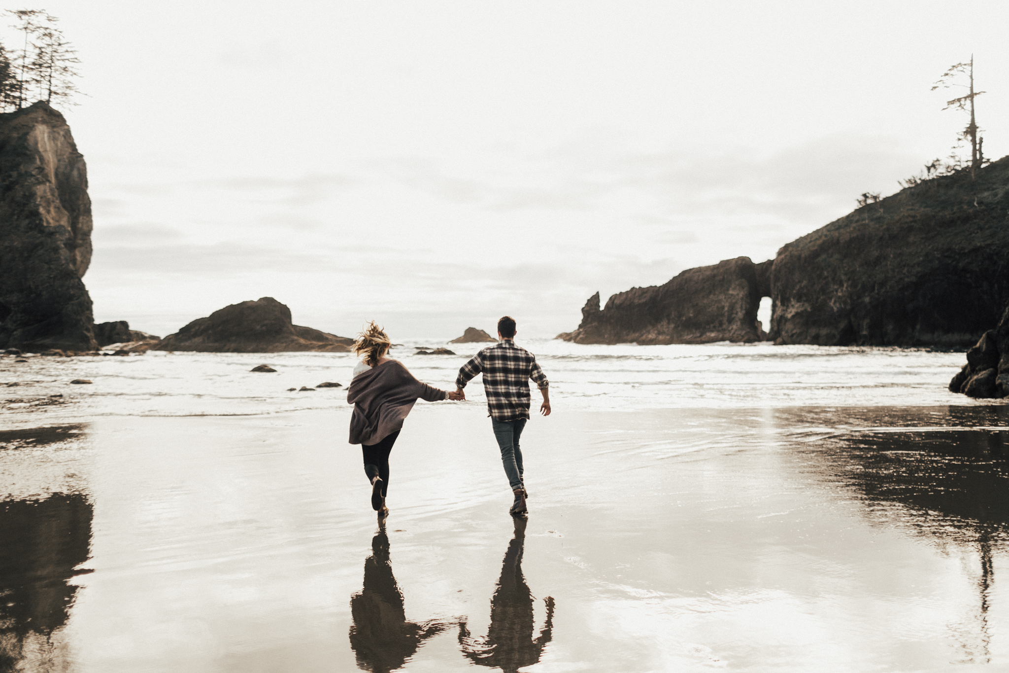 La_Push_Washington_Coast_Engagement-21.jpg